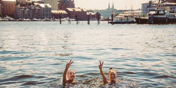 Swimmers (c) Jussi Hellsten / Helsinki Marketing