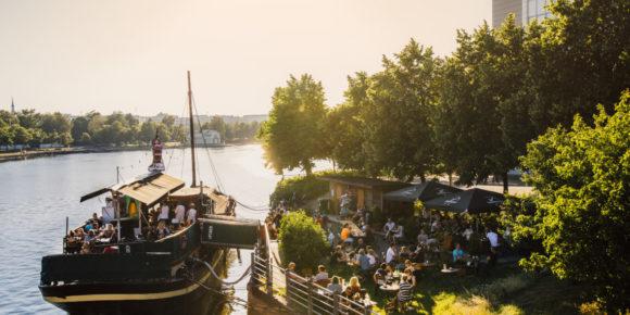 Summer terrace (c) Jussi Hellsten / Visit Helsinki