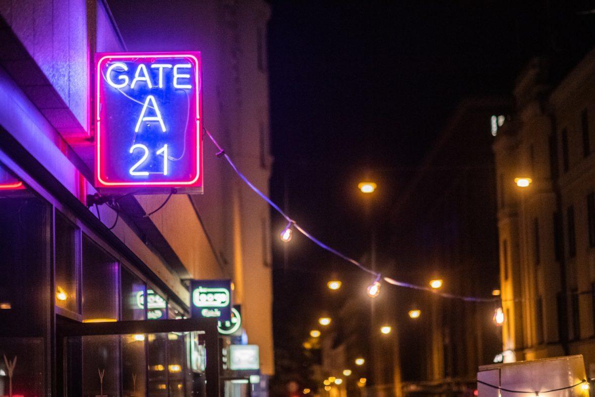Gate A21