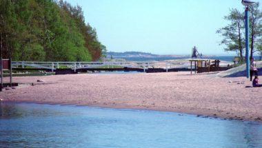 Pihlajasaari Beach