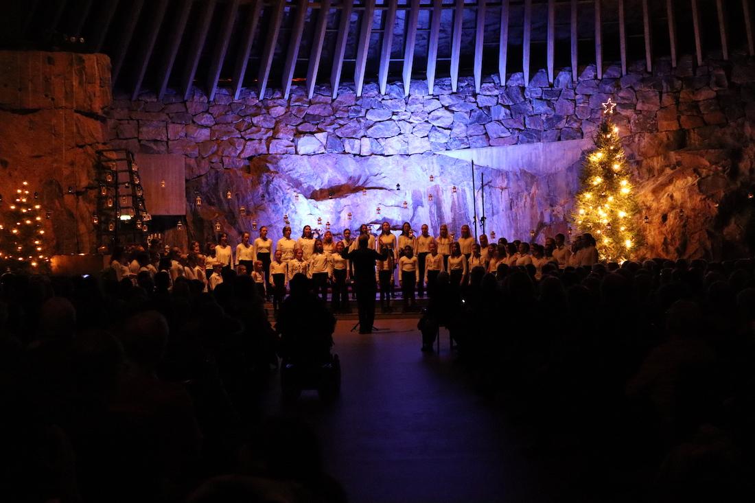 Christmas songs by Tapiola choir and choir club groups